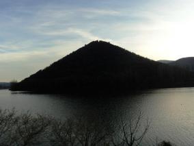 Lago e il monte dell'Eco