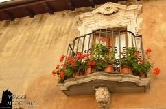 Balcone caratteristico nel centro storico di Scanno